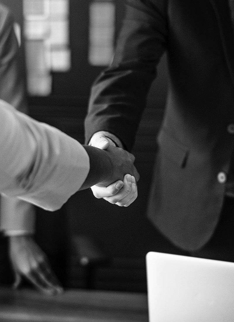 scoren-nieuwe-klanten-handdruk-overeenkomst-b2b